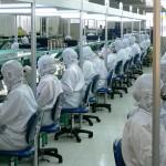 Trabajadores-de-una-fabrica-china-
