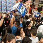 consumidores-fazem-compras-no-extra-ricardo-jafet-em-sao-paulo-durante-a-black-friday-1448586912875_956x500